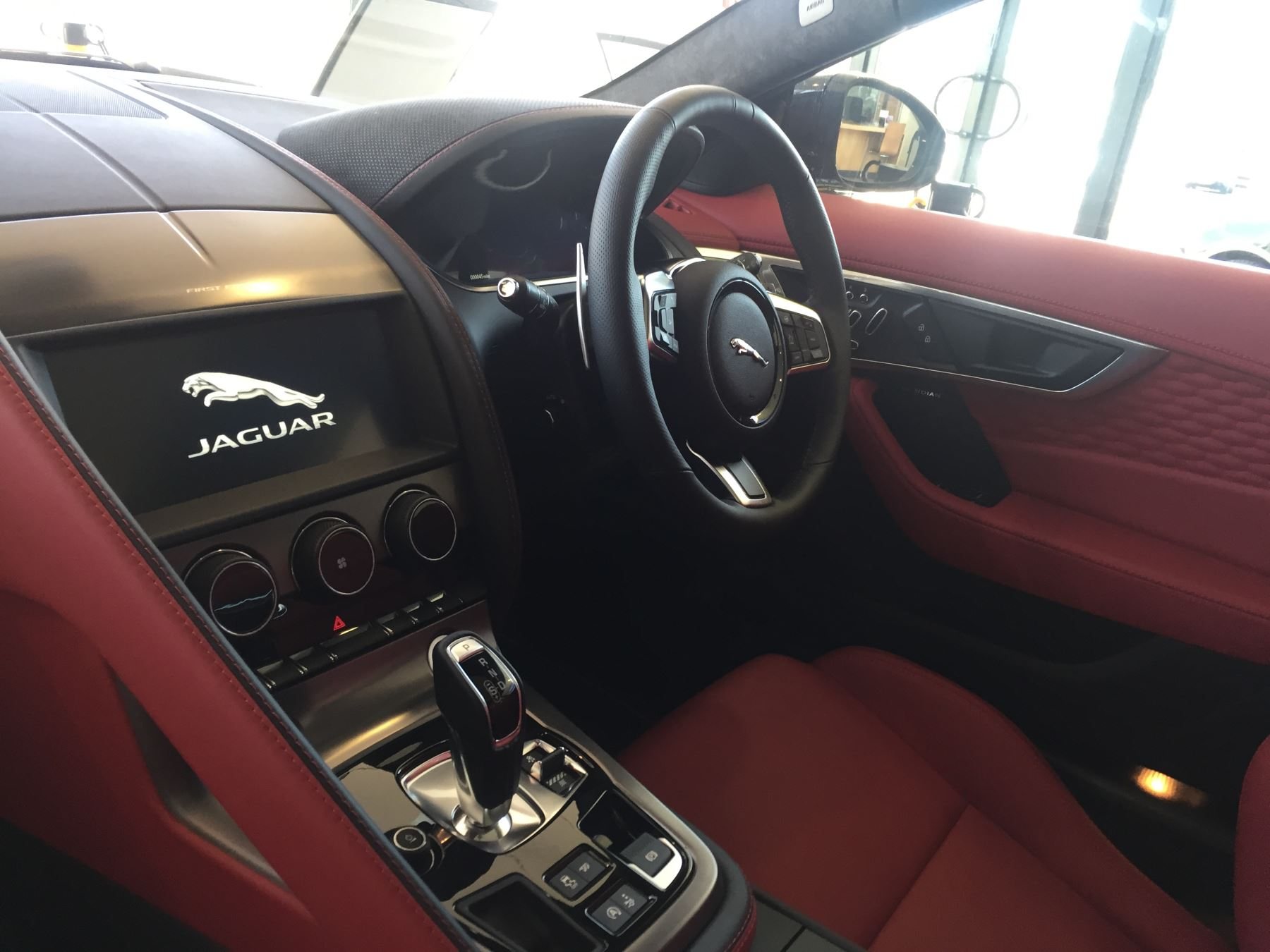 Jaguar F-TYPE 5.0 P450 Supercharged V8 First Edition SPECIAL EDITIONS image 10